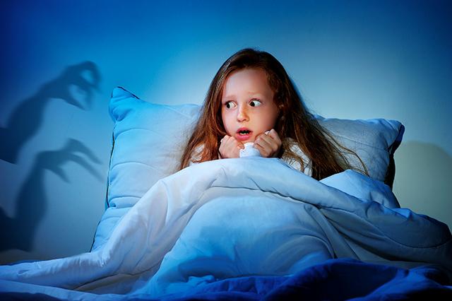 cauchemars-peur-du-noir-terreur-nocturne-reveil-nocturne-l-hypnose-aide-enfant-des-10-ans-et-adulte-a-retrouver-le-sommeil-cyril-ouvrard-hypnotherapeute-pornic