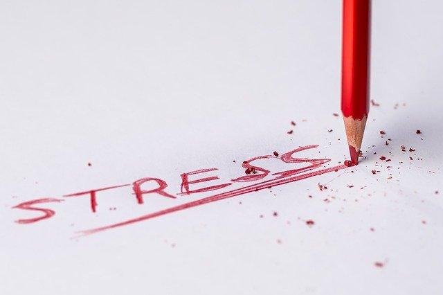 epuisement-saute-d-humeur-nervosite-irritabilite-dus au-stress-l-hypnose-peut-vous-aider-cyril-ouvrard-pornic