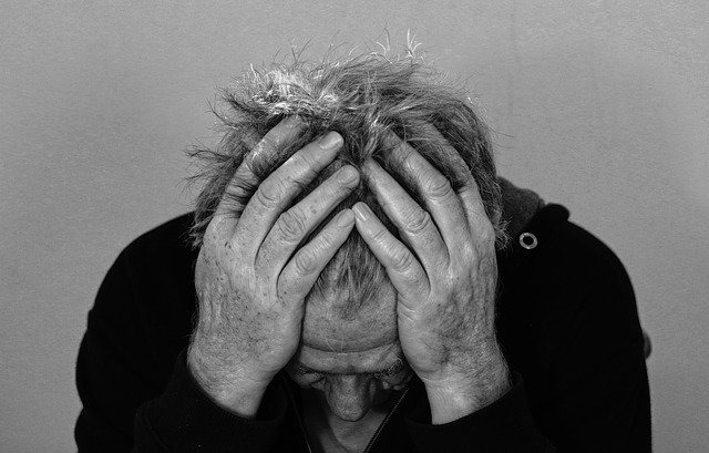 tristesse-derpime-passagere-l-hpnose-peut-vous-aider-cyril-ouvrard-pornic