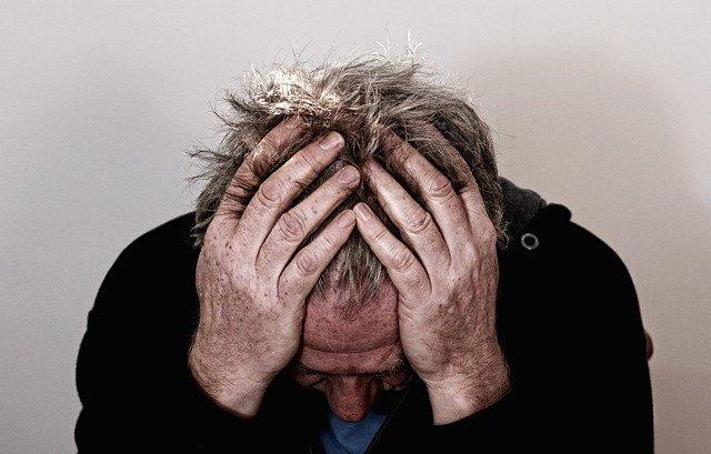 vous-etes-stresse-vous-dormez-mal-et-votre-humeur-est-changeante-cyril-ouvrard-hypnotherapeute-a-pornic-vous-aide-a-reduire-stress-anxiete-et-angoisse